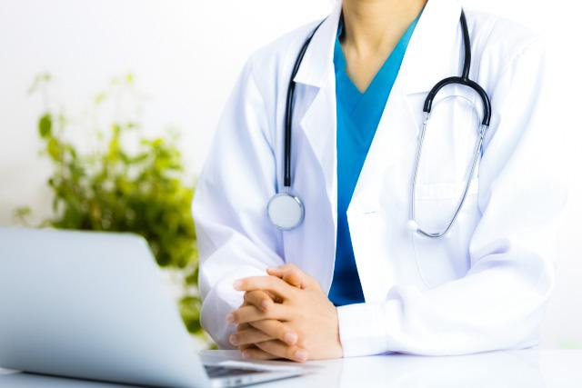 健康診断をしてくれる医者
